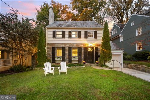 Photo of 7313 SUMMIT AVE, CHEVY CHASE, MD 20815 (MLS # MDMC733160)