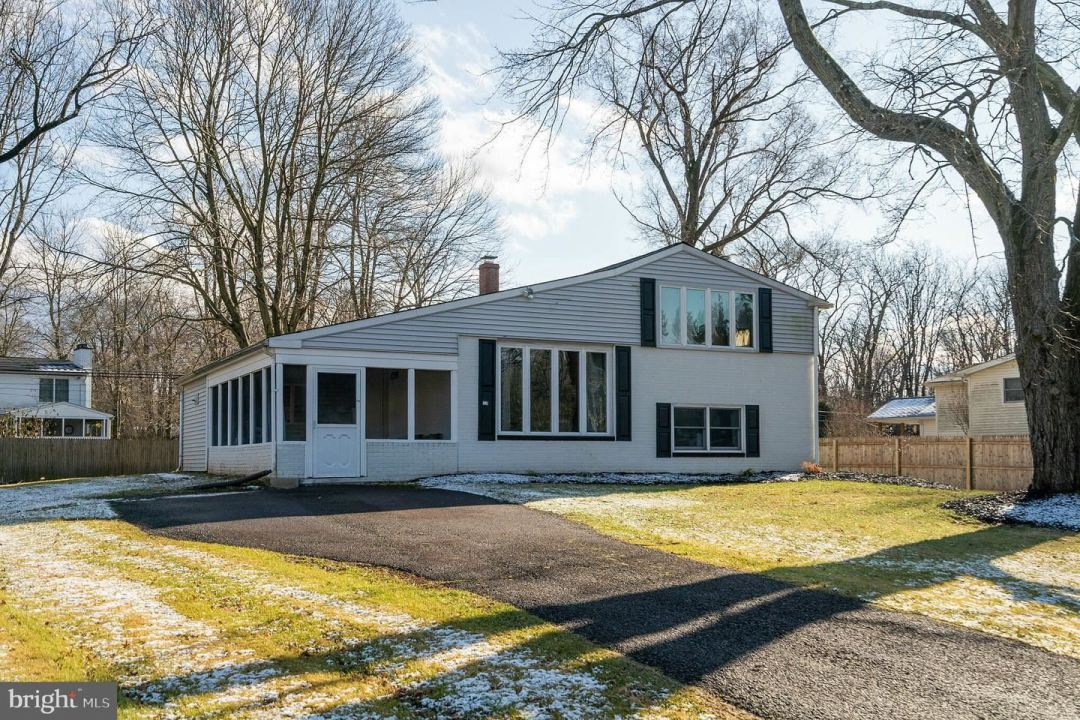 Photo for 24 ELBOW LN, LANSDALE, PA 19446 (MLS # PAMC635160)