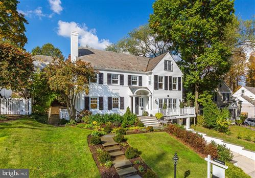 Photo of 7618 LYNN DR, CHEVY CHASE, MD 20815 (MLS # MDMC731226)