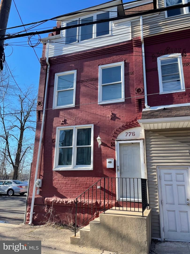 Photo of 776 E STATE ST, TRENTON, NJ 08609 (MLS # NJME308288)