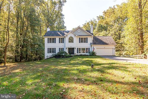 Photo of 9101 WEANT DR, GREAT FALLS, VA 22066 (MLS # VAFX1094340)