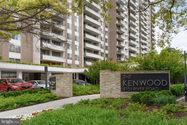 Photo of 5101 RIVER RD #303, BETHESDA, MD 20816 (MLS # MDMC722352)
