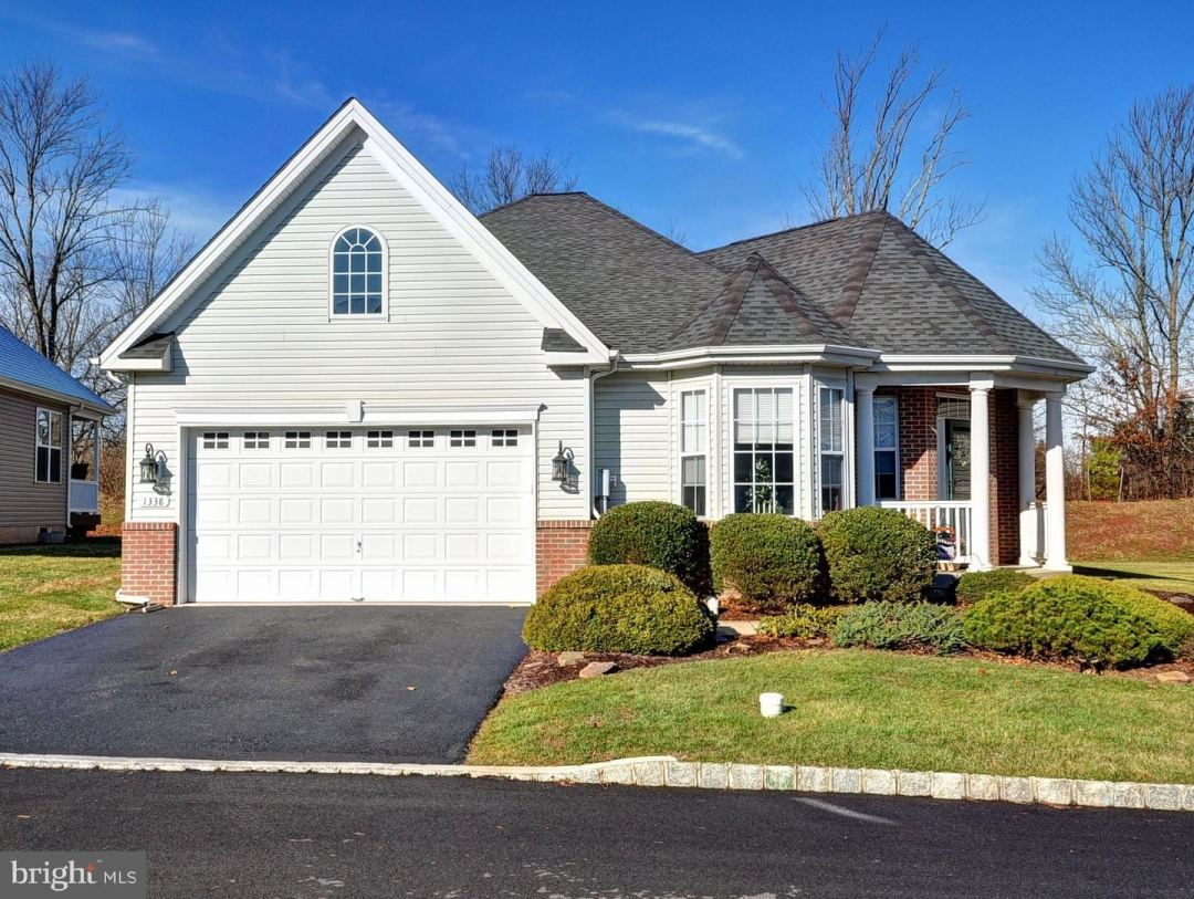 Photo for 1338 CREEKSIDE LN, QUAKERTOWN, PA 18951 (MLS # PABU485544)