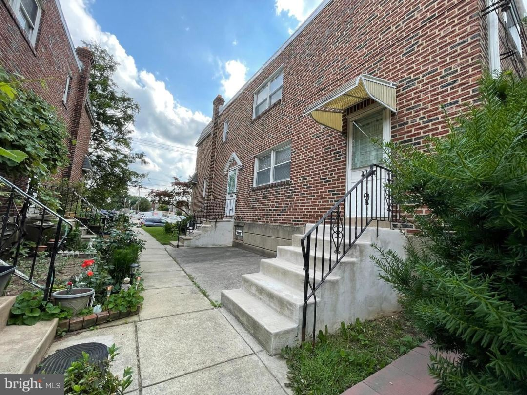 Photo of 803 MAGEE AVE, PHILADELPHIA, PA 19111 (MLS # PAPH2002562)