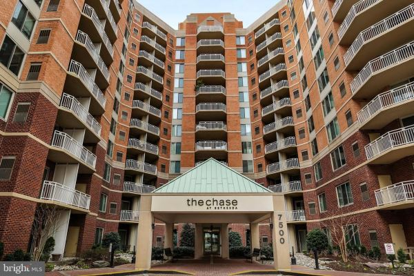 Photo of 7500 WOODMONT AVE #S807, BETHESDA, MD 20814 (MLS # MDMC722738)