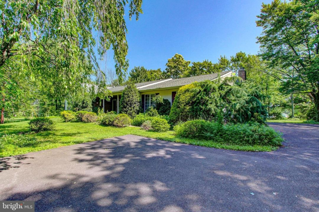 Photo for 559 N 4TH ST, TELFORD, PA 18969 (MLS # PAMC696784)