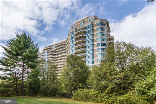 Photo of 5610 WISCONSIN AVE #PH-5E, CHEVY CHASE, MD 20815 (MLS # MDMC681874)