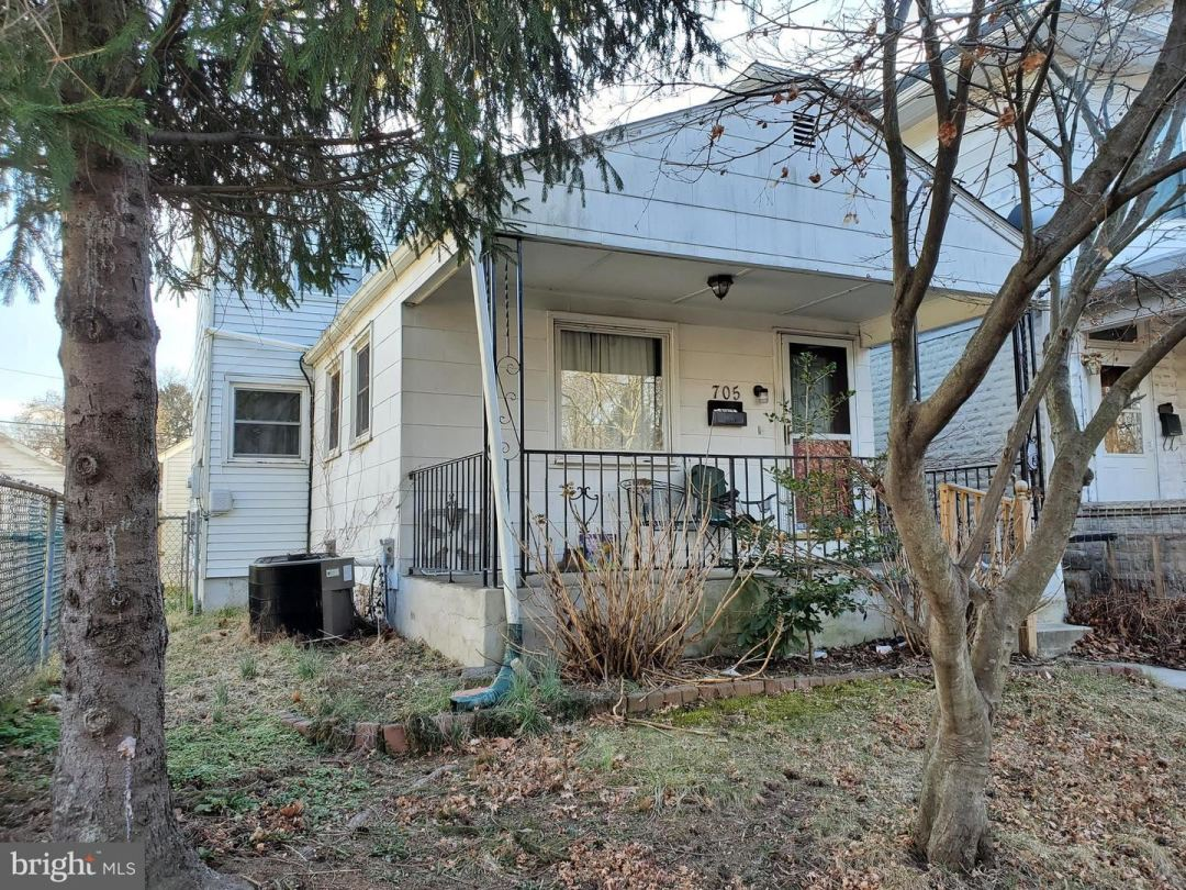 Photo of 705 WOODLAND ST, TRENTON, NJ 08610 (MLS # NJME306976)