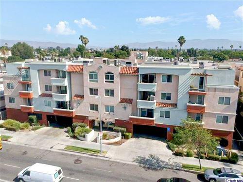Photo of 13951 sherman way Way #206, VAN NUYS, CA 91405 (MLS # 320007023)