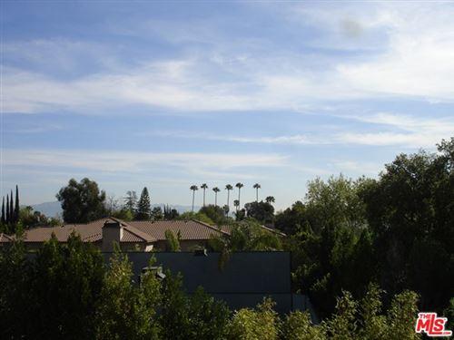 Photo of 5460 WHITE OAK Avenue #F307, Encino, CA 91316 (MLS # 20592026)