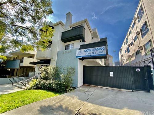 Photo of 2045 Rodney Drive #104, Los Feliz, CA 90027 (MLS # PV20250050)