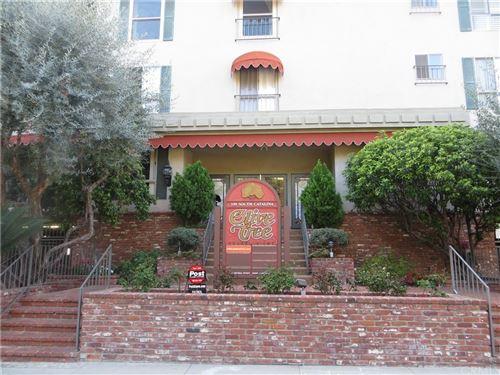 Photo of 339 S Catalina Avenue #325, Pasadena, CA 91106 (MLS # AR21233056)