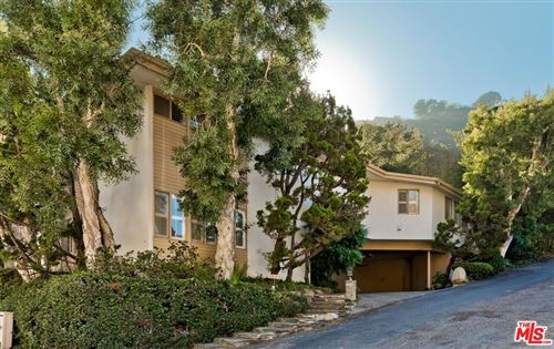 Photo of 1905 N Beverly Drive, Beverly Hills, CA 90210 (MLS # 21781070)