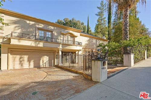 Photo of 4854 Winnetka Avenue, Woodland Hills, CA 91364 (MLS # 21748072)