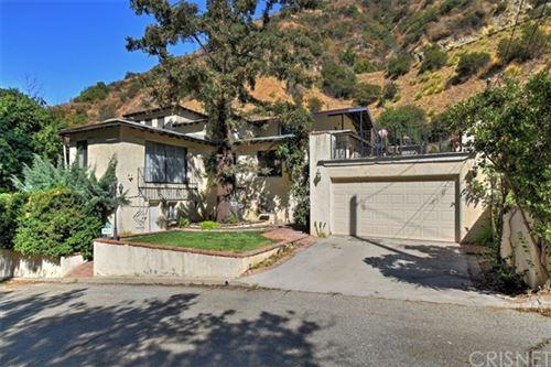 Photo of 431 Nesmuth Road, Glendale, CA 91202 (MLS # SR20208083)