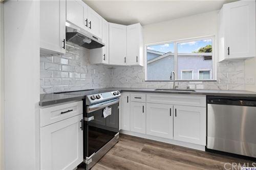 Photo of 707 E Orange Grove Avenue #B, Burbank, CA 91501 (MLS # 320006129)