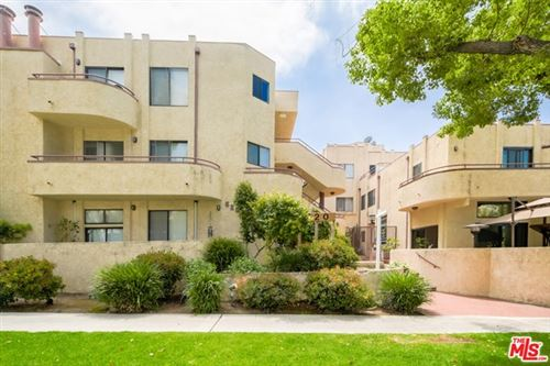 Photo of 620 E Angeleno Avenue #M, Burbank, CA 91501 (MLS # 21724132)