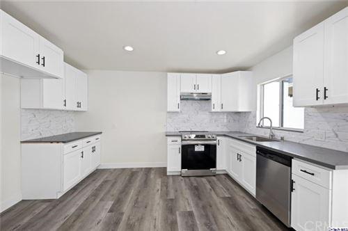 Photo of 707 E Orange Grove Avenue #D, Burbank, CA 91501 (MLS # 320006133)