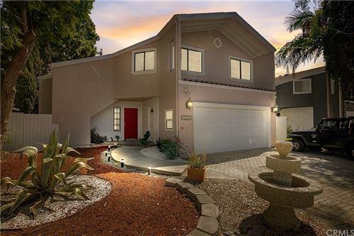 Photo of 6846 Whitman Avenue, Lake Balboa, CA 91406 (MLS # BB21160140)