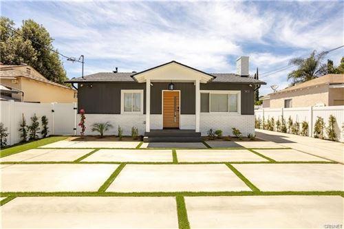 Photo of 7411 Jamieson Avenue, Reseda, CA 91335 (MLS # SR21164144)