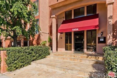 Photo of 5454 Zelzah Avenue #203, Encino, CA 91316 (MLS # SR21202165)