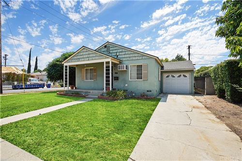 Photo of 5835 Shoshone Avenue, Encino, CA 91316 (MLS # SR21163187)