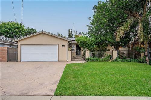 Photo of 8450 Zelzah Avenue, Northridge, CA 91325 (MLS # SR21191197)