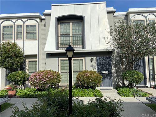 Photo of 22037 Oxnard Street, Woodland Hills, CA 91367 (MLS # SR21072199)