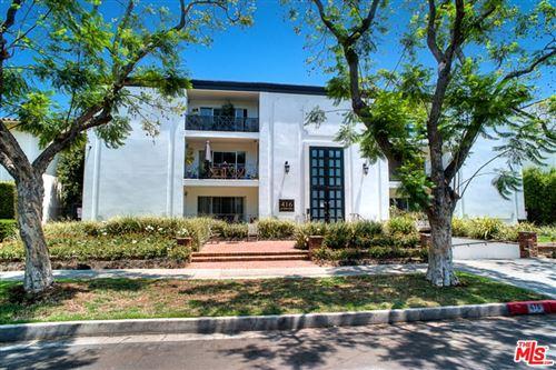 Photo of 416 N Oakhurst Drive #303, Beverly Hills, CA 90210 (MLS # 21798200)