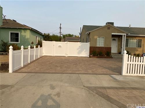 Photo of 6954 Jellico Ave., Lake Balboa, CA 91406 (MLS # 320003213)