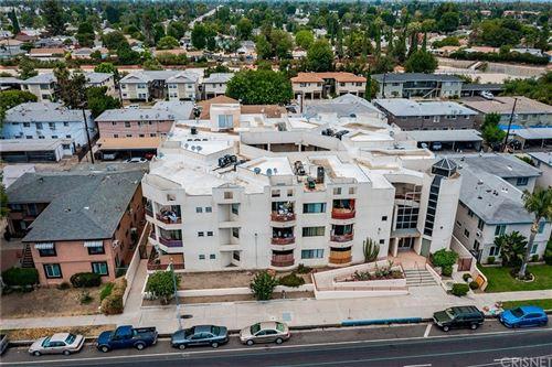 Photo of 20615 Vanowen Street, Winnetka, CA 91306 (MLS # SR21161234)