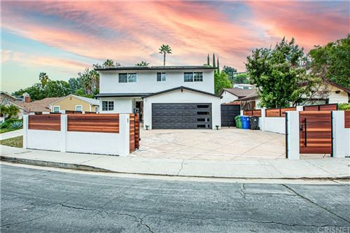 Photo of 5338 Don Pio Drive, Woodland Hills, CA 91364 (MLS # SR21031235)