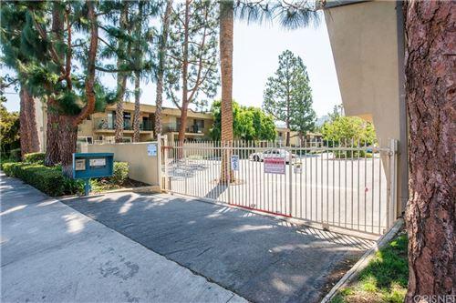 Photo of 11138 Aqua Vista Street #42, Studio City, CA 91602 (MLS # SR21202248)