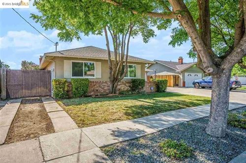 Photo of 425 Pippo Ave, Brentwood, CA 94513 (MLS # 40949253)