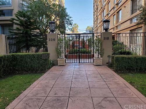 Photo of 318 N Maple Drive #302, Beverly Hills, CA 90210 (MLS # SR20246260)