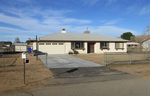 Photo of 22194 Tajanta Road, Apple Valley, CA 92307 (MLS # 520274)