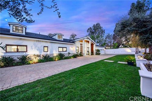 Photo of 5158 Louise Avenue, Encino, CA 91316 (MLS # SR21038313)