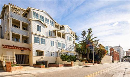 Photo of 1751 Appian Way #303, Santa Monica, CA 90401 (MLS # SR21168333)
