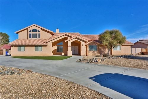 Photo of 19920 Yucca Loma Road, Apple Valley, CA 92307 (MLS # 520347)