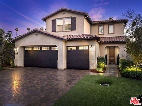 Photo of 17032 Cantlay Street, Lake Balboa, CA 91406 (MLS # 21697352)