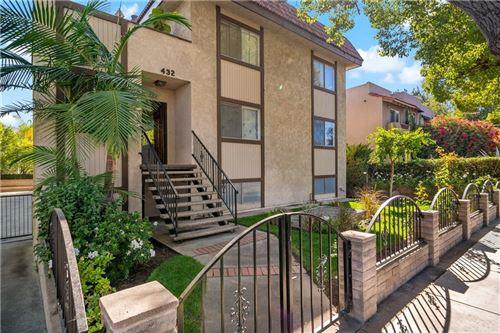 Photo of 432 S Oak Knoll Avenue #3, Pasadena, CA 91101 (MLS # IV21235359)