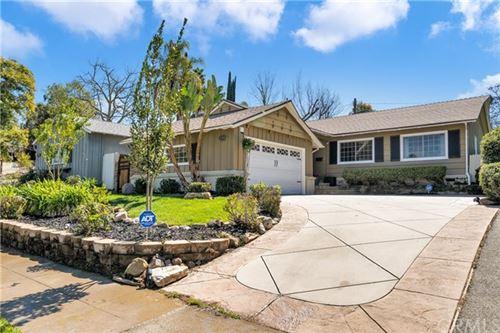 Photo of 21908 Buena Ventura Street, Woodland Hills, CA 91364 (MLS # SB21043401)