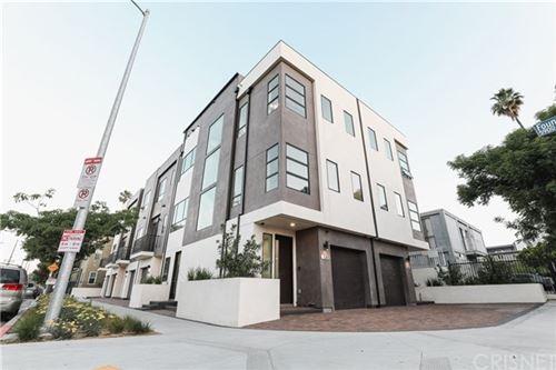 Photo of 1301 Tamarind Avenue, Hollywood, CA 90028 (MLS # SR20112401)
