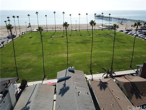 Photo of 916 E Oceanfront, Newport Beach, CA 92661 (MLS # NP19257412)