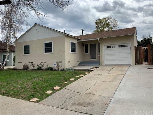 Photo of 17622 Collins Street, Encino, CA 91316 (MLS # SR21102422)