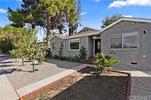 Photo of 17326 Emelita Street, Encino, CA 91316 (MLS # SR20199443)
