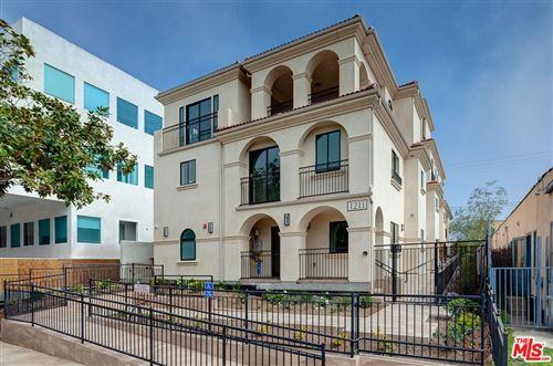 Photo of 1211 9th Street #201, Santa Monica, CA 90401 (MLS # 21796444)