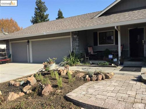Photo of 308 Wildberry Dr, Brentwood, CA 94513 (MLS # 40929450)