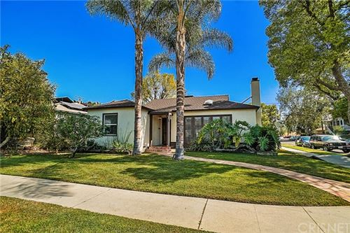 Photo of 16750 Gilmore Street, Lake Balboa, CA 91406 (MLS # SR21099465)