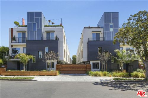 Photo of 1338 1/2 N SYCAMORE Avenue, Hollywood, CA 90028 (MLS # 21732474)